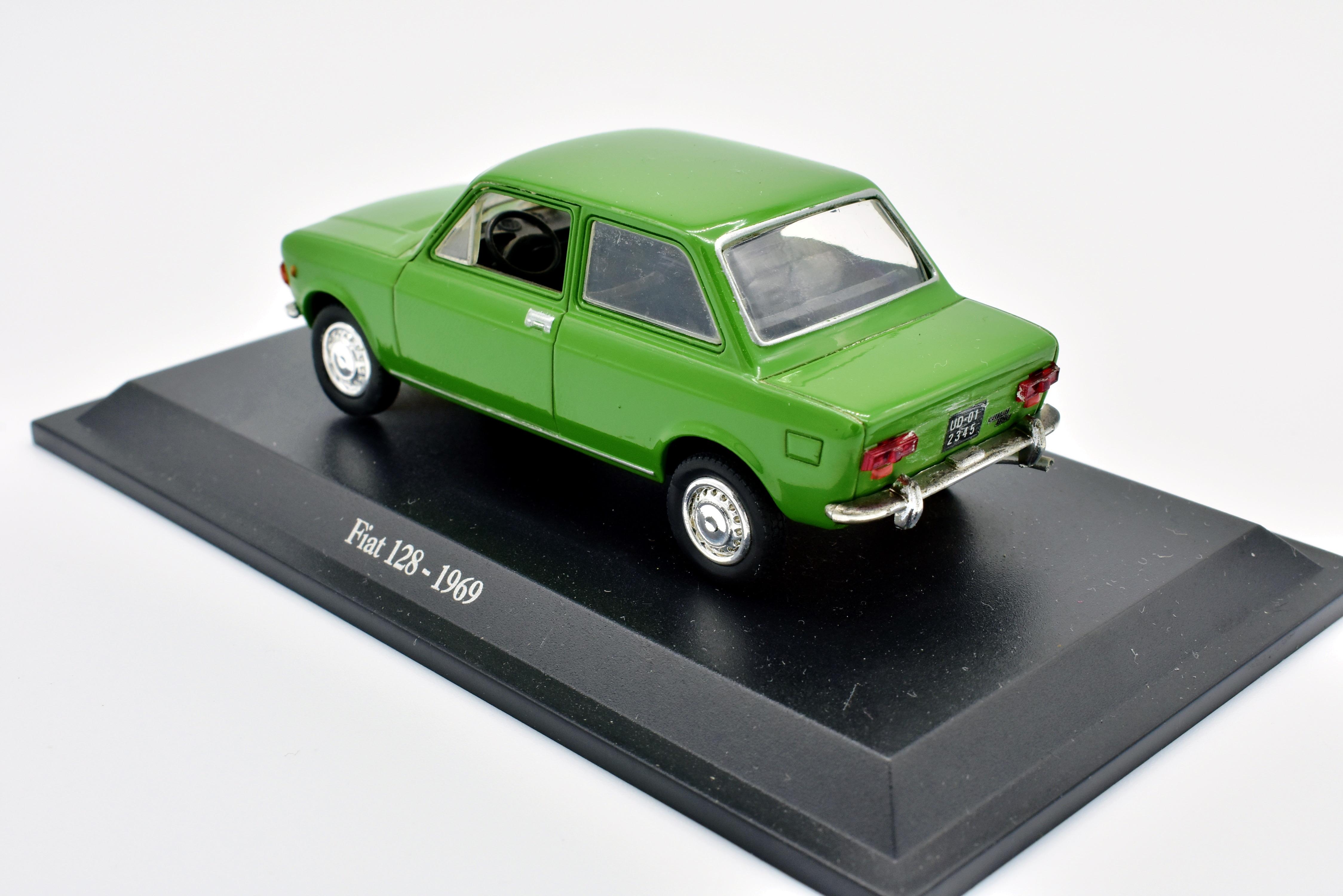 mod le auto fiat 128 chelle 1 43 moul sous pression miniatures voiture model ebay. Black Bedroom Furniture Sets. Home Design Ideas